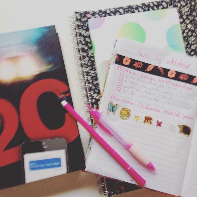 Op de planning vandaag lessen voorbereiden en lekker lezen! Moethellip