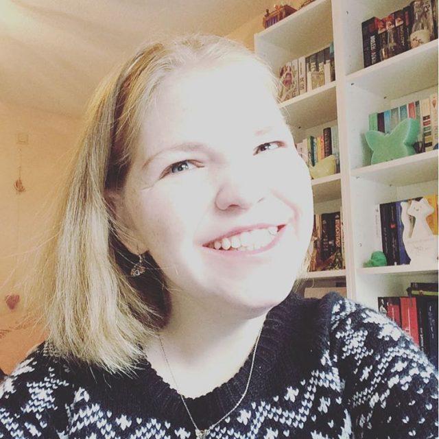 Selfietime! Ik ga vandaag lekker bloggen en lezen happysunday