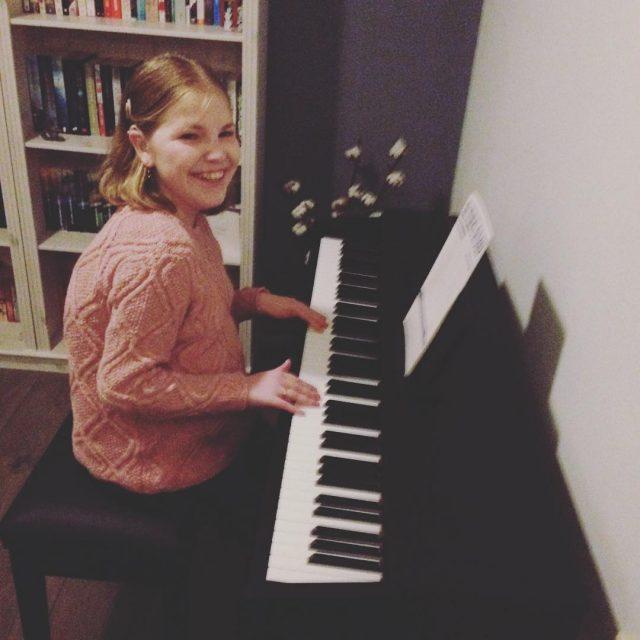 Als je zus een piano in huis heeft gehaald moethellip