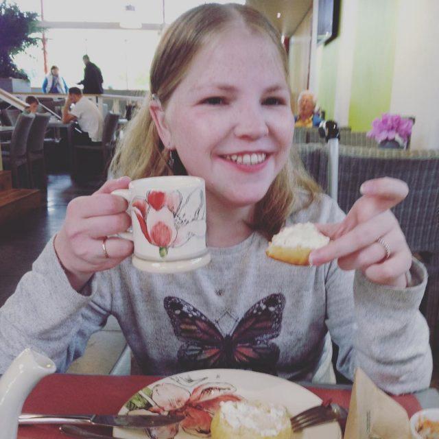 High tea met mama lekker vroeg Moederdag vieren met lekkernijenhellip